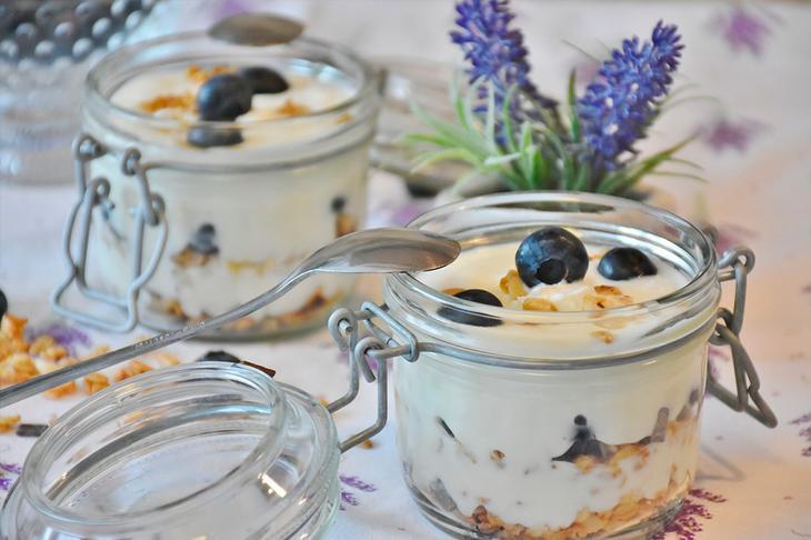 Йогурт вместо калорийных сладостей