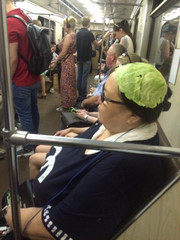 На кого полюбоваться в нашем метро?