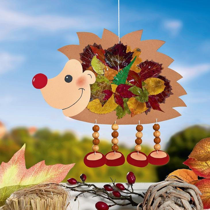 Поделка ёжик с листьями 5