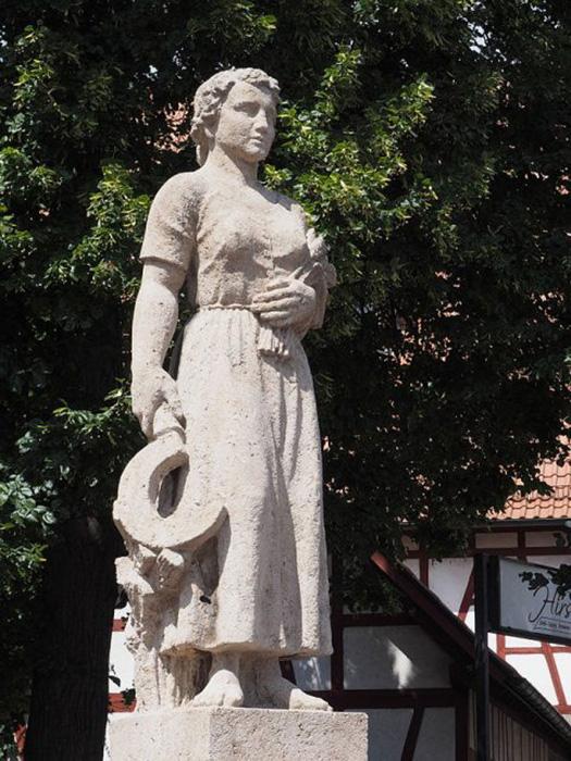 Памятник Катарине Кеплер.