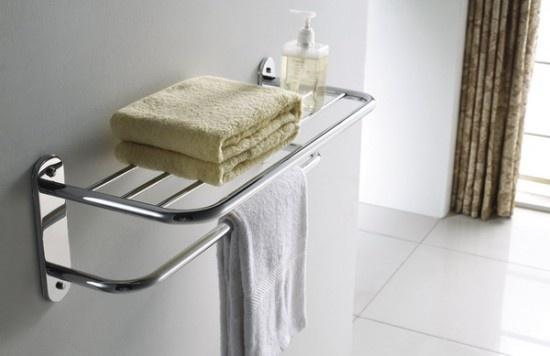 Полки в ванной