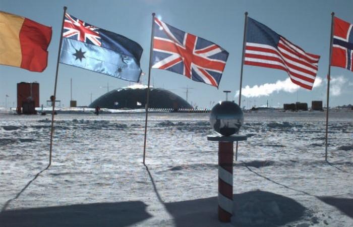Невероятный факт: в Антарктиде есть банкомат.