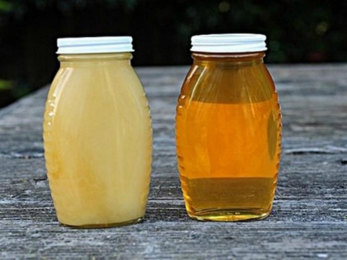 Реанимировать загустевший мед. | Фото:Про Мёд.