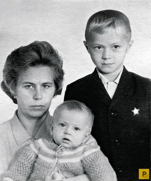 Андрей Панин с мамой и сестрой Ниной, 1972 год отечественные звезды, фото