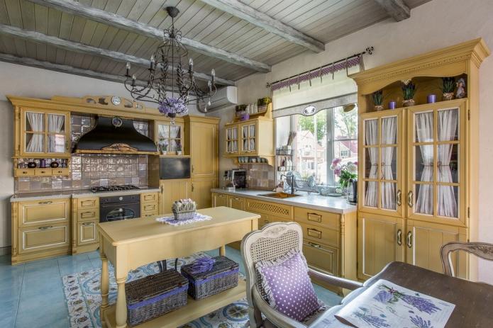 лавандовый цвет в кухонном текстиле