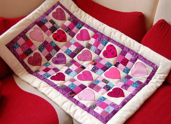 Как сшить детское одеяло в кроватку своими руками