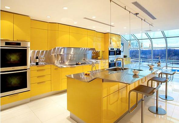 Яркая жёлтая кухня