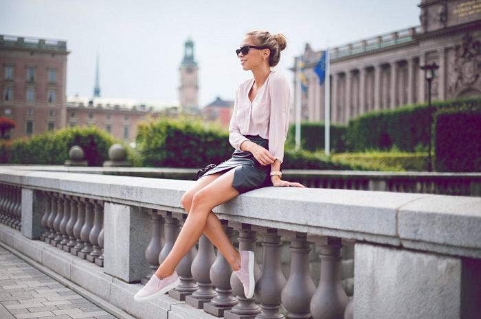 Хорошим фоном станет красивое архитектурное сооружение. / Фото: book4girls.ru