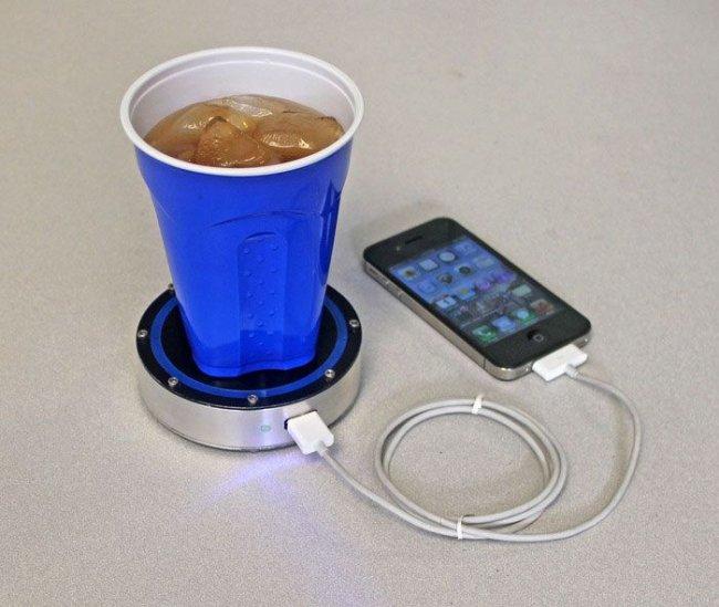 Необычные идеи для зарядки телефона (11 фото)