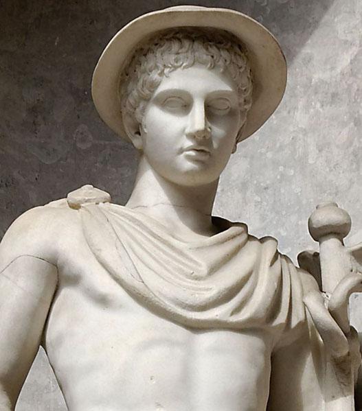 Статуя Гермеса в петасосе