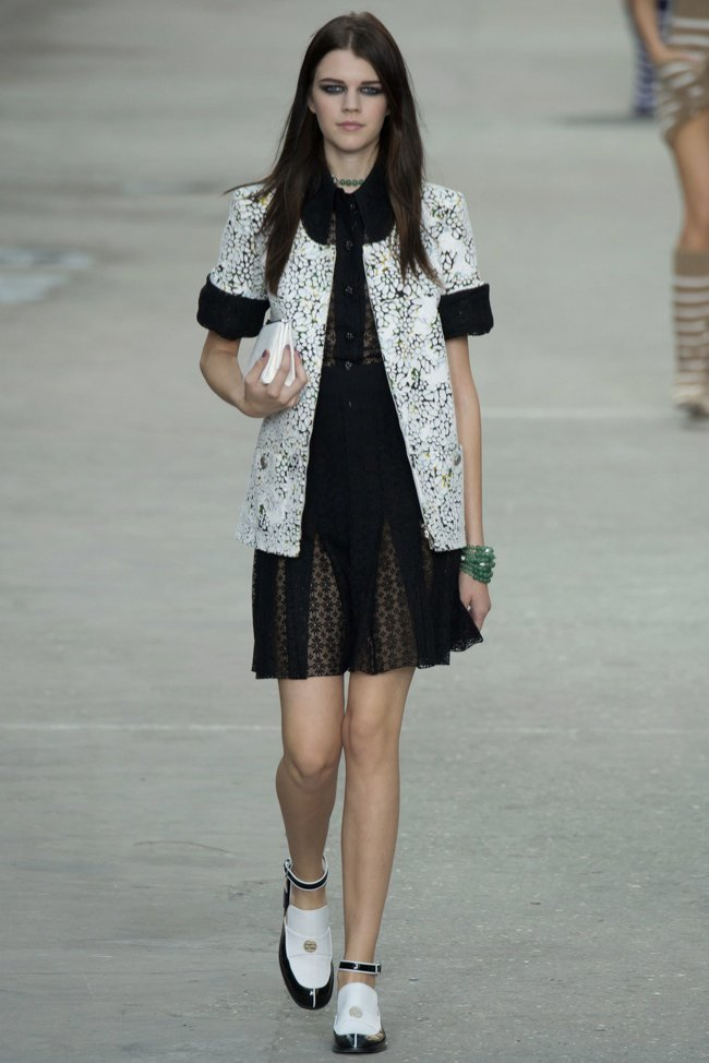 chanel-2015-spring-summer-runway41.jpg