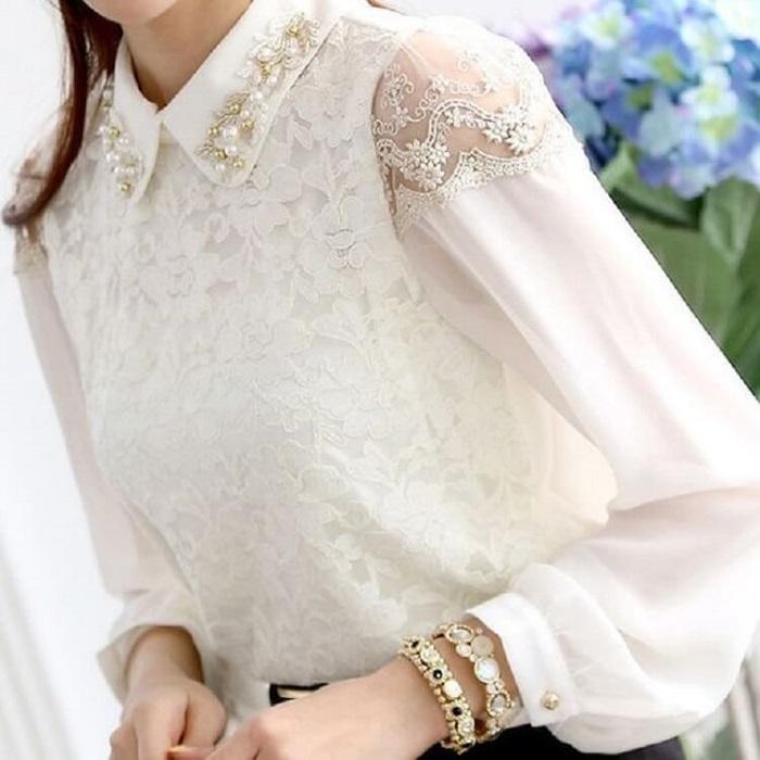 Женственная белая блузка для выхода в свет.