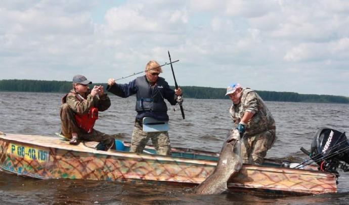 Меры безопасности при ловле сома с лодки