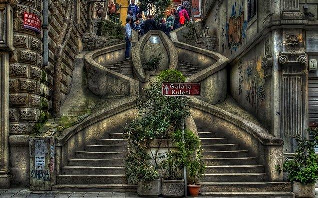 Лестница Камондо. Стамбул, Турция.