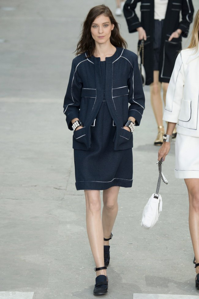 chanel-2015-spring-summer-runway35.jpg