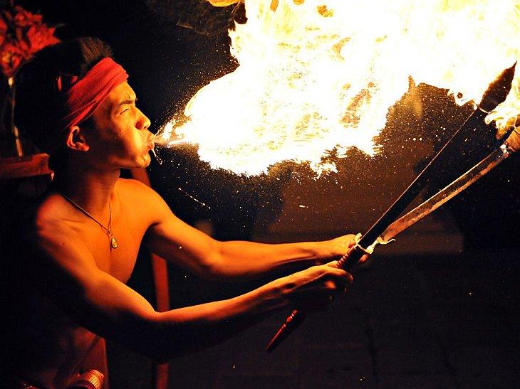 Огненное шоу в Таиланде
