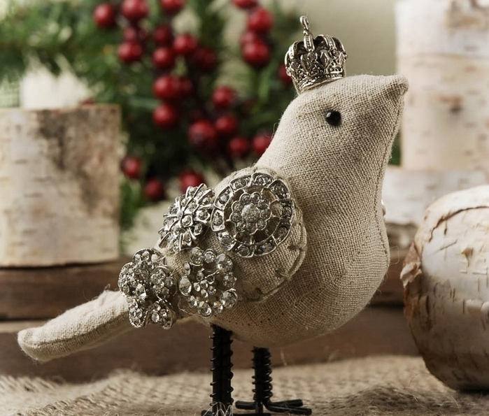 Птица из мешковины