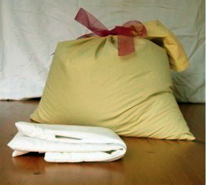 Самодельный мешок для стирки.   Фото: Pinterest.