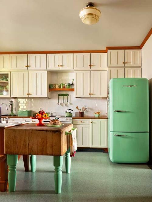 Ретро-холодильник мятного цвета
