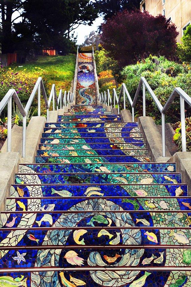Мозаичная лестница - Сан-Франциско, США.