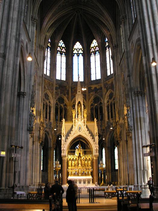 Храм Римско-католической церкви Вотивкирхе в Вене: внутренне убранство