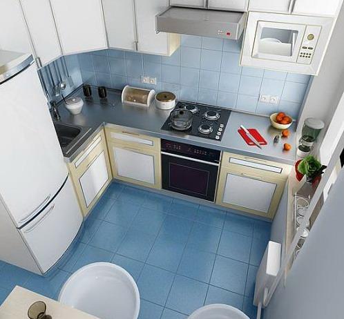 Кухня 5 кв м с вертикальным блоком у входа