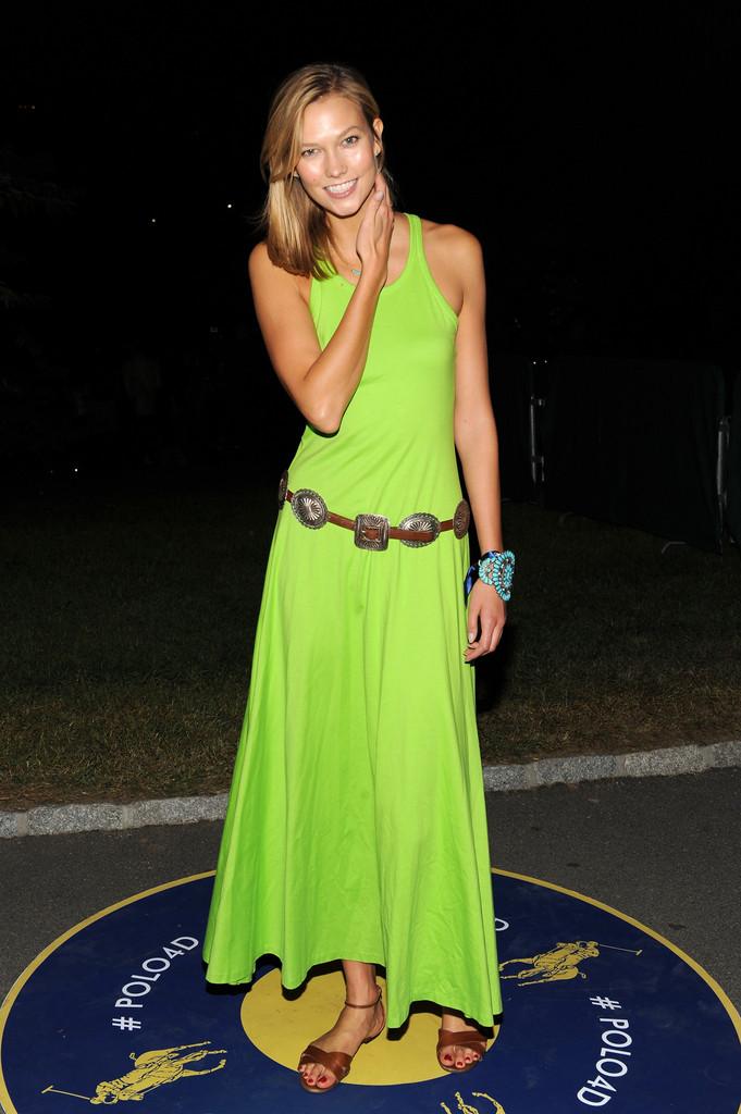 Карли Клосс на Mercedes-Benz Fashion Week в Нью-Йорке