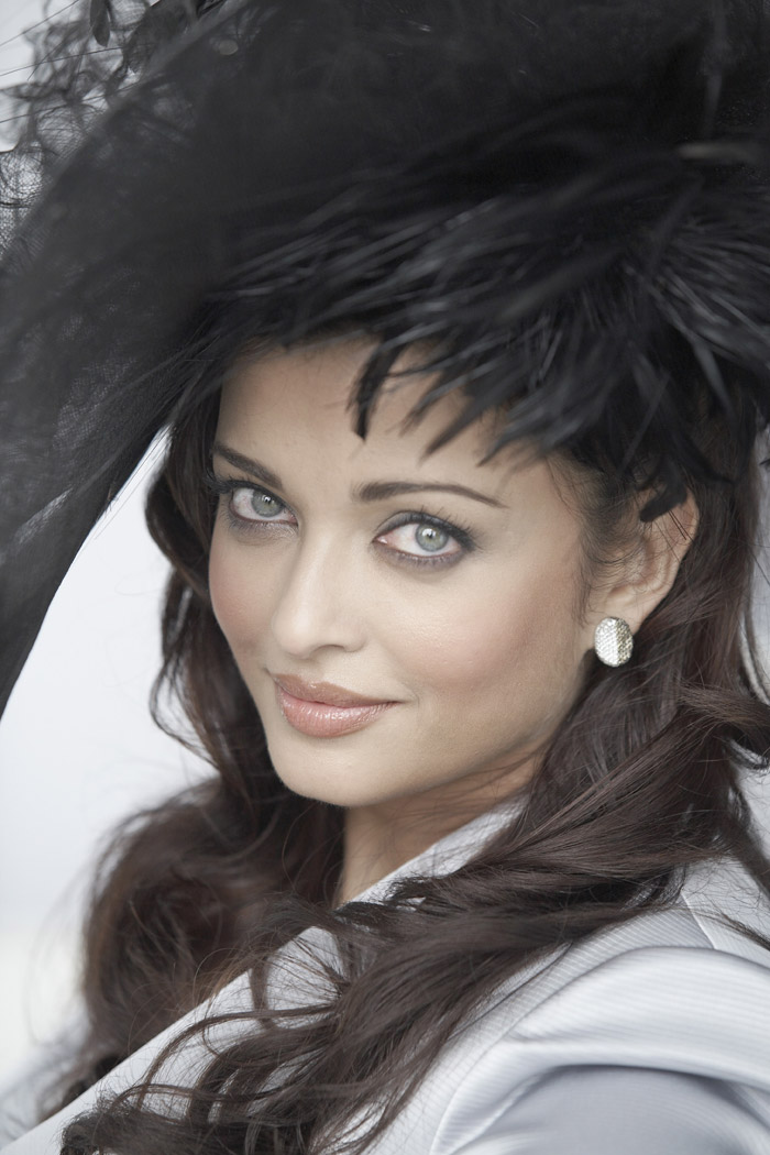 Айшвария Рай (Aishwarya Rai) в фотосессии Гевина Смита (Gavin Smith) (2009), фото 2