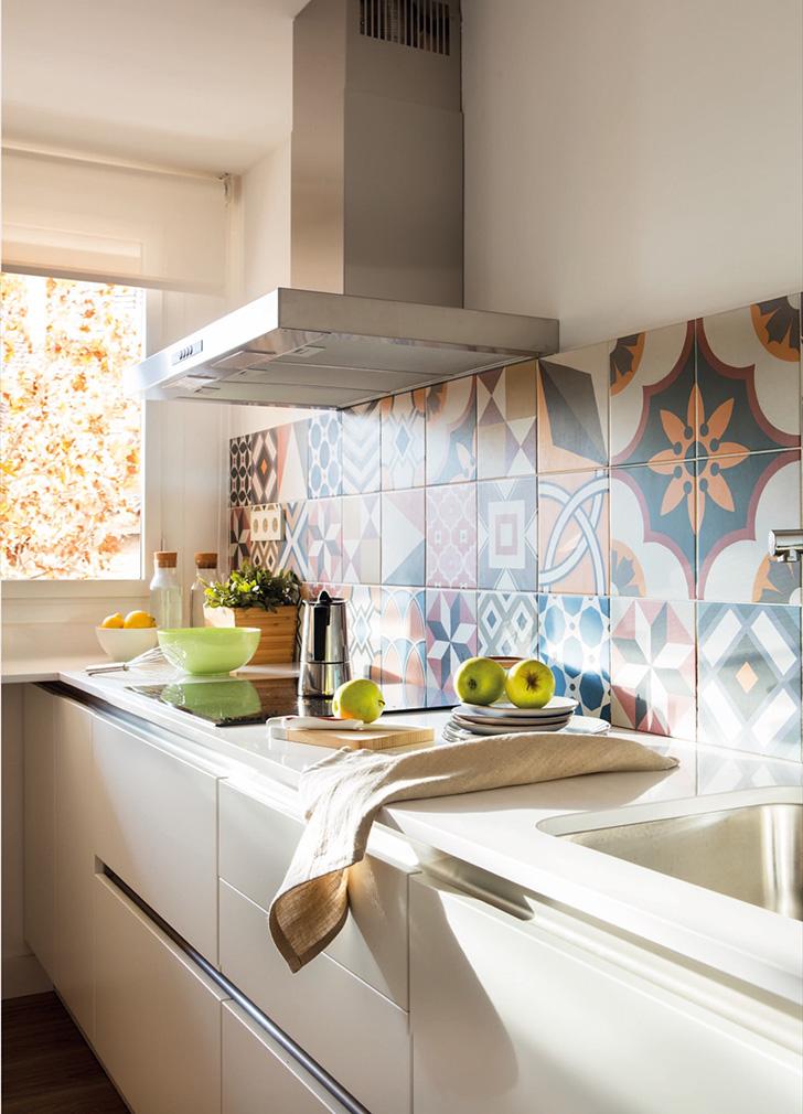 Прекрасная трехкомнатная квартира на площади всего 60 кв. м в Барселоне   fullsize