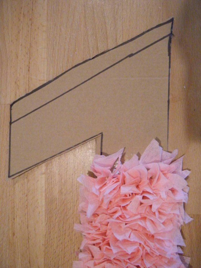 Клеим квадраты на картонную основу