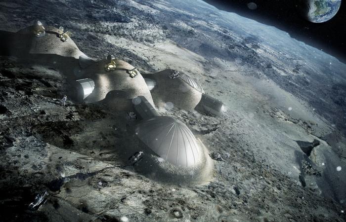 Луна - база инопланетной разведки.