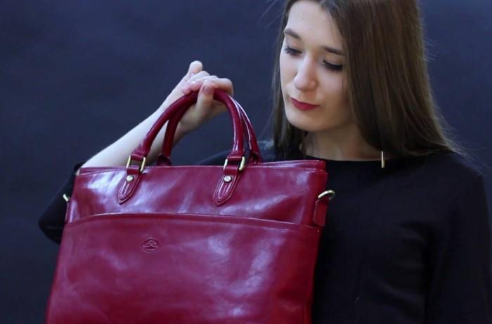 Обязательно понюхайте вещь перед покупкой, поскольку химозный аромат вывести не так просто / Фото: i1.ytimg.com