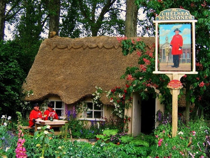 Для туристов делают исторические инсталляции, показывая быт предков.