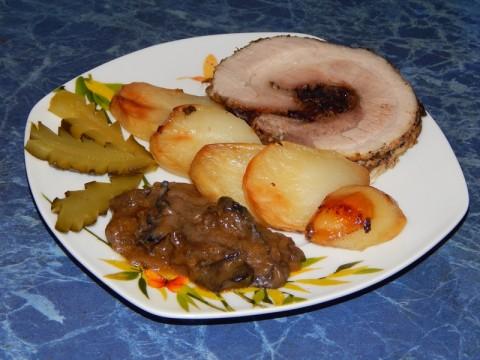 рецепт рулета из свиной подчеревины с грибами