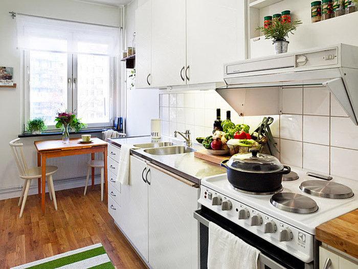 Как обустроить маленькую кухню: 12 простых советов