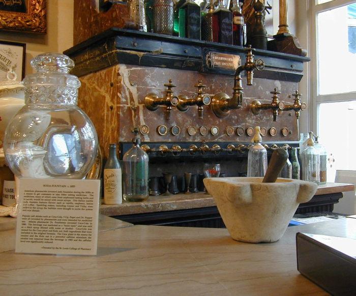 В аптечном музее Нового Орлеана. / Фото: www.atlasobscura.com