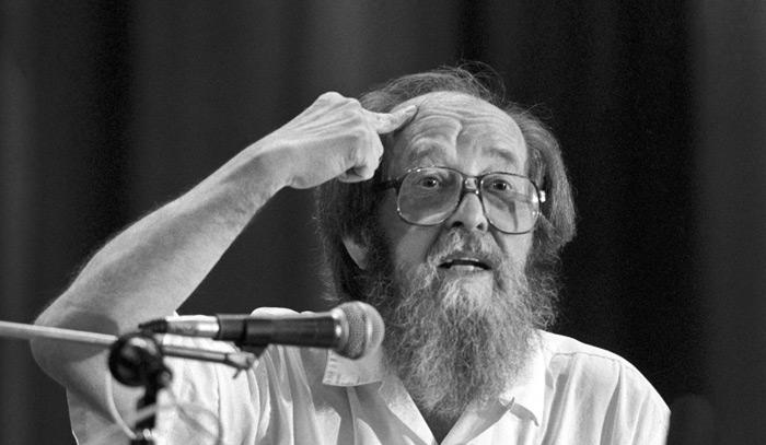 Какой Солженицын нам нужен. Владимир Новиков к 95-летию со дня рождения писателя