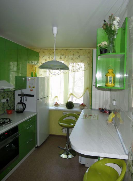Маленькая кухня дизайн с балконом
