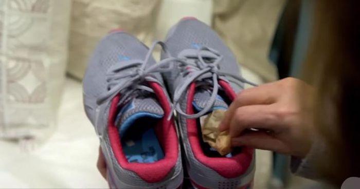 """""""Kokulu"""" ayakkabılara karşı çay."""