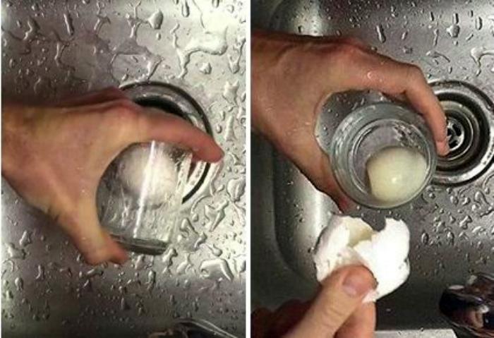 Быстро почистить яйцо. | Фото: Смекалочка.