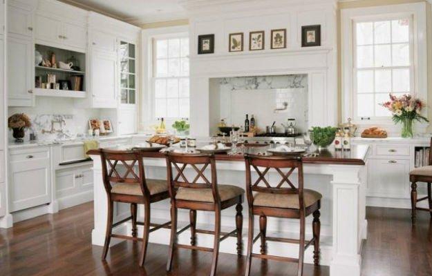 Стильные варианты стульев для белого интерьера кухни