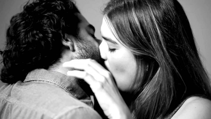 Почему люди целуются, а животные — нет