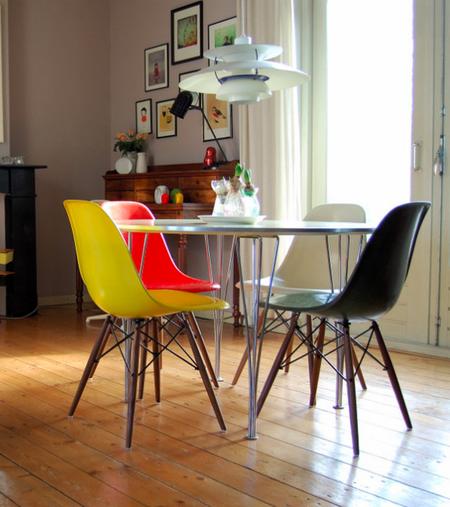 Яркое обновление: 12 идей для вашей кухни с разноцветными стульями фото 7