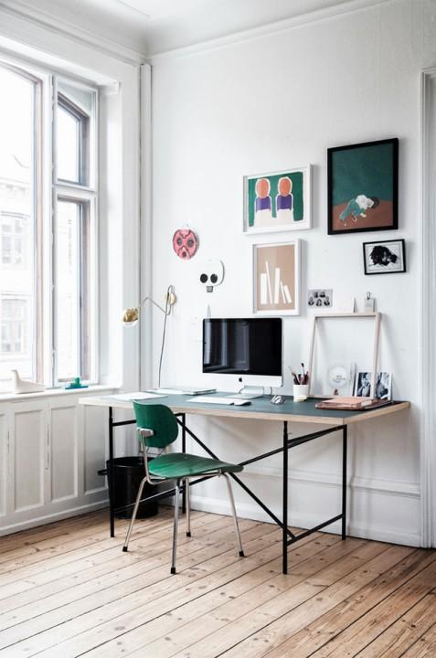 Можно украсить стену над рабочим столом собственными набросками
