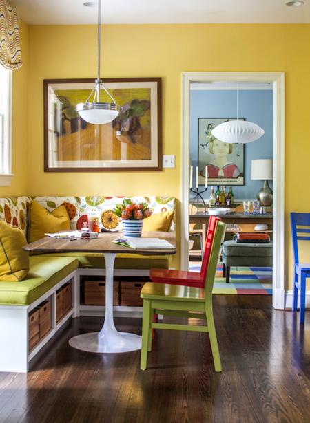 Яркое обновление: 12 идей для вашей кухни с разноцветными стульями фото 3