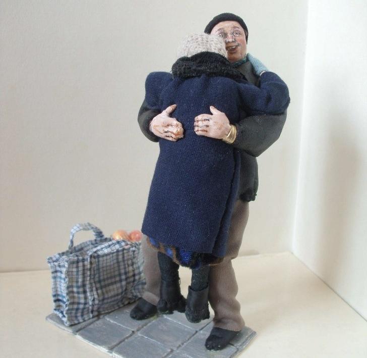 Мастерица из Сибири создает до боли правдоподобные сюжеты из жизни пожилых людей