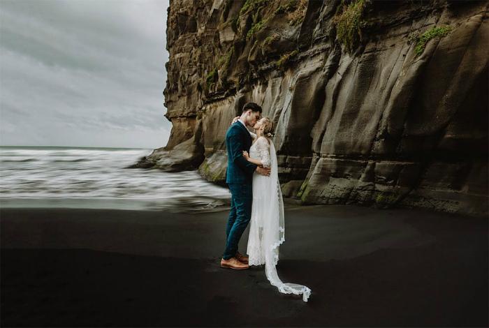 Церемония в заливе Маори, Новая Зеландия.