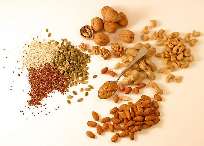 Орехи и семена - это полезно и правильно.