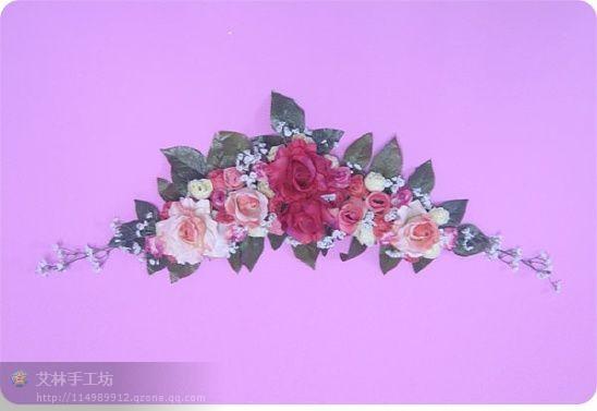 Старые вешалки для одежды превращаются в цветочную гирлянду