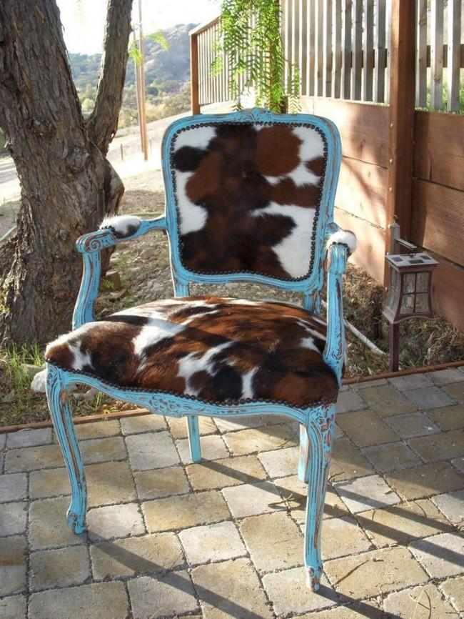 Обивка из телячьей шкуры на стульчике в стиле прованс